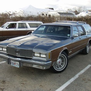 1990-Oldsmobile-Custom-Cruiser_2